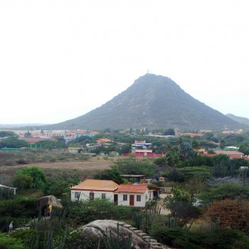 Jamanota Hill, Aruba's highest elevation with the best view of the island 2 | Arubiana